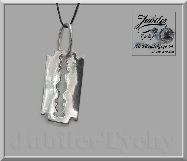 Srebrny wisiorek - żyletka   #Srebrny #wisiorek #żyletka #Srebro #Ag925 #srebrne #wisiorki #żyletki #żyleta #srebrna #biżuteria #jubilertychy #Silver #Jubiler #Tychy #Jeweller #Pracownia #Złotnicza w #Tychach #Tyski #Złotnik #Zaprasza #Promocje : ➡ jubilertychy.pl/promocje