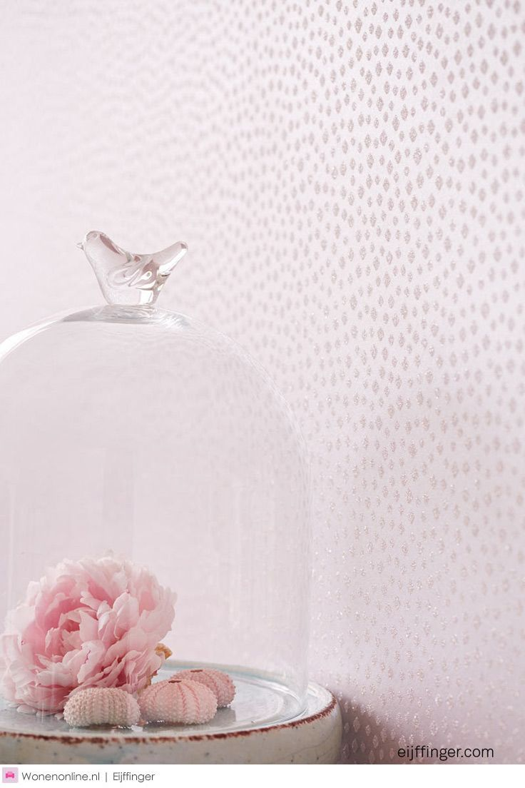 Eijffinger WHISPER - Het poëtische kleurenpalet biedt chardonnay tot poeder roze, amandelbloesem, zeegroen, linnengrijs, koffie, aluminium en koper. Het exclusieve karakter van deze wandbekleding zal je omhullen met een unieke en innige sfeer. #behang #wallpaper #interieur #interior #homedeco #wallcoverings