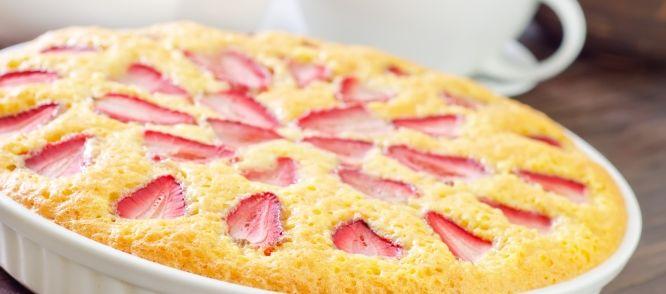 Deze lekkere aardbeientaart is de perfecte combinatie tussen fris en zoet. Het recept komt uit Smult 11, waar naast zoete lekkernijen ook recepten staan voor...
