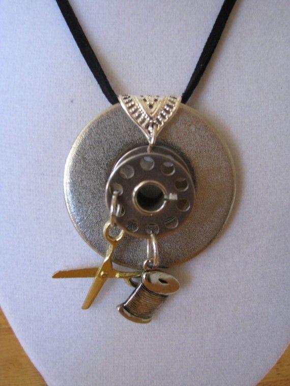 Vintage bobbin necklace - naaimachine spoel ketting