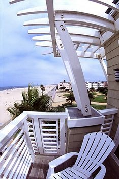Beach House Hermosa Beach.... Our favorite place to stay!!!!!!! :) take me NOW!