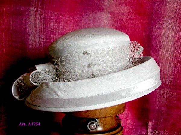 Cappello con veletta
