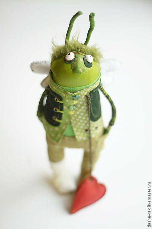 Коллекционные куклы ручной работы. Ярмарка Мастеров - ручная работа. Купить таракан, но все жэ это заяц как вариант. Handmade. Зеленый, Люблю