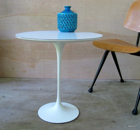 Vintage Saarinen Tulip Side Table For Knoll Par Rerunzvintageshop | SWEET  HOME | Pinterest | Tulip, Changu0027e 3 And Tables