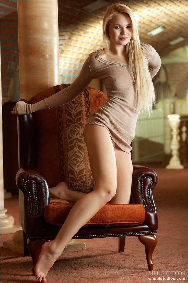 Pin On Hot Blonde Women-7692
