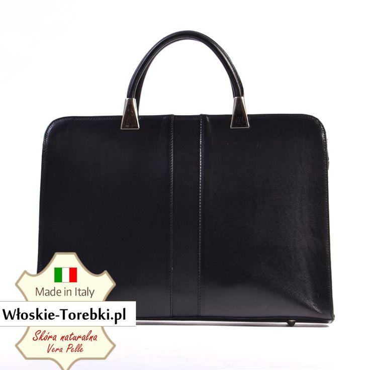 Skórzana teczka w kolorze czarnym, mieści format A4, sprawdzi się jako pakowna torba do noszenia laptopa, segregatora, teczek czy zeszytów A4. Polecamy: wymiary 39x28cm