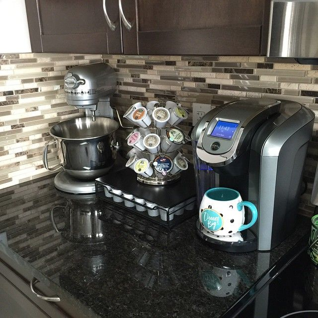 """Instagram user decordream brews herself a cup of Keurig Brewed coffee in her """"dream big"""" to help her kick-start her long work day. We are loving her Keurig kitchen setup!"""