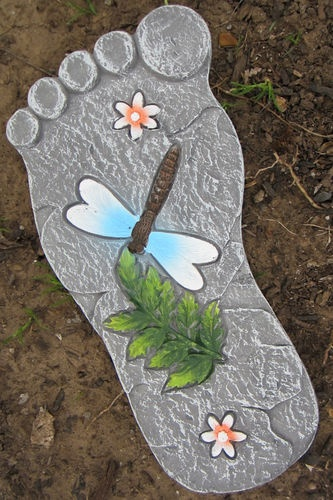 """garden foot-could do with kids feet each year or a """"Footprints"""" tribute"""
