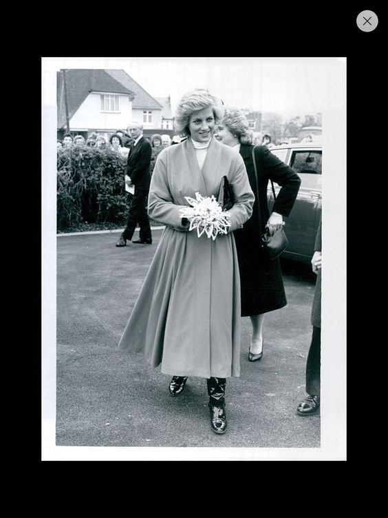December 10 1987 Diana opened the new Community Hospital at Heanor Road, Ilkeston, Derbyshire (p.m.): Diana visited the factory of Royal Crown Derby Porcelain Company Ltd, Osmaston Road, Derby, and open an extension to the company's museum