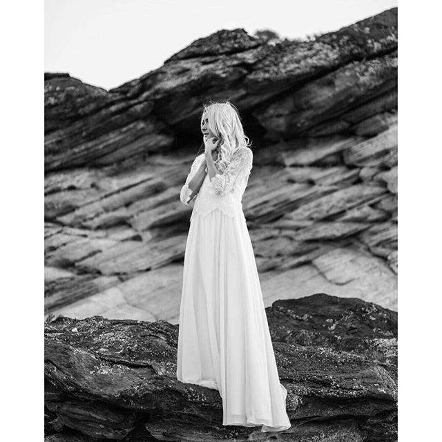 """""""We can't believe just last week we were chasing the light in Zion National Park with @tylerrye and many other talented folks at the #zionworkshop. A big thanks to @happilyeverallen for being such a trooper all week, hiking all over Zion. - - - - - Dress - @truvellebridal Shoes- @Bellabelleshoes Suit - @HM Hair&MakeUP - @katielivingston1 Models - @happilyeverallen"""" Photo taken by @n.g_photography on Instagram"""