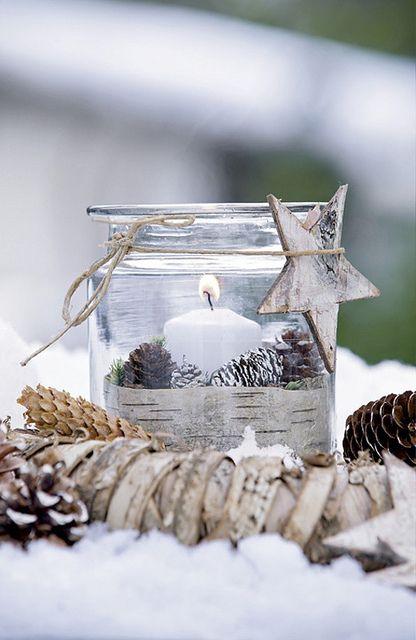 Tyylikäs, talvinen taideteos. Tee se itse terassille! merry christmas by the style files, via Flickr