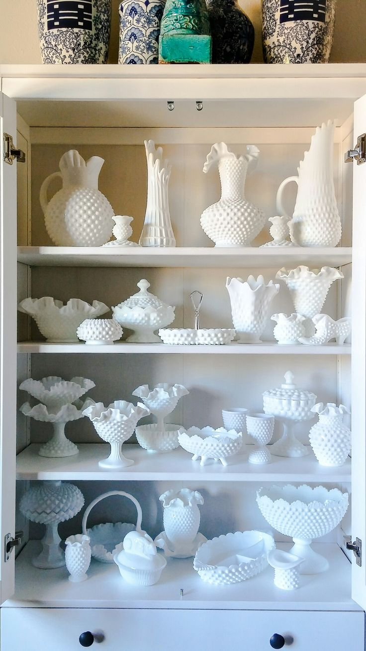 Dish Display Cabinet 25 Best Ideas About Dish Display On Pinterest China Display