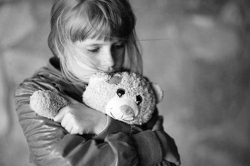 Μιλώντας στα παιδιά για το θάνατο Written by  Βάσια Παπαγεωργίου τελειόφοιτη του μεταπτυχιακού τμήματος Εφαρμοσμένης Εξελικτικής Ψυχολογίας του Αμερικανικού Κολλεγίου Ελλάδος
