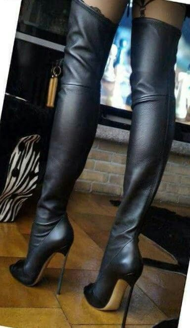 @Sully #highheelbootsankle #Kinkythighhighboots
