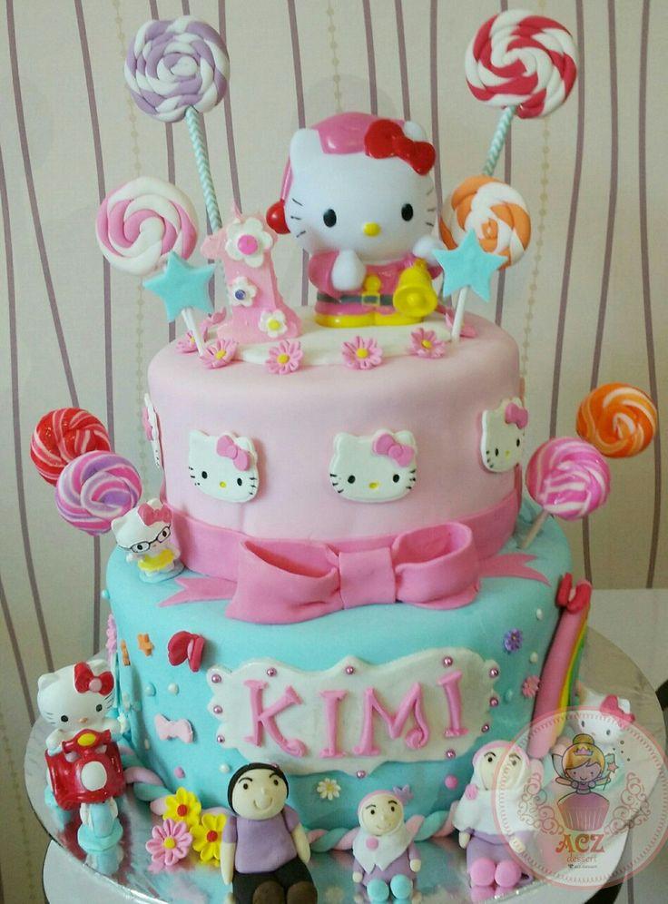 Hello kitty tier cake full fondant