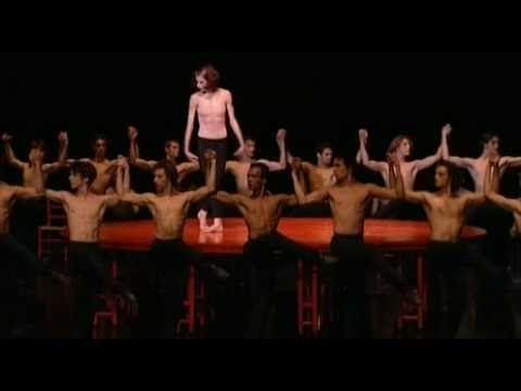 """""""Le Boléro"""" de Ravel  Ballet crée par Maurice Béjart -"""