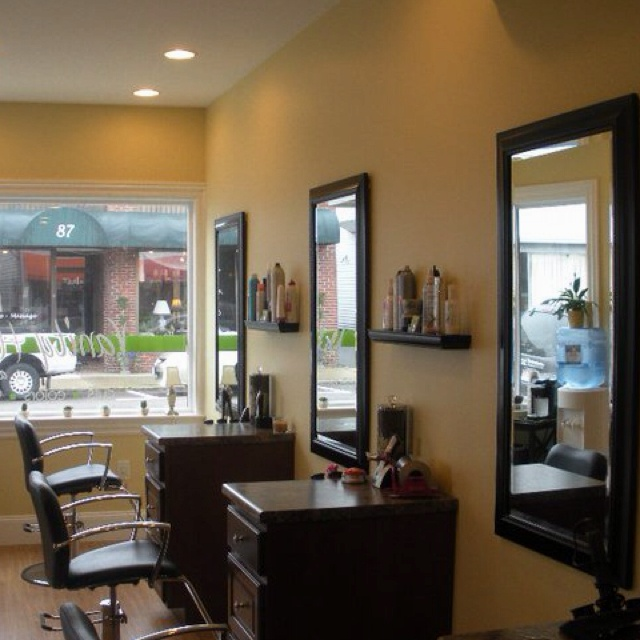 Ideas For Decorating Salons: Inside Vanity Hair