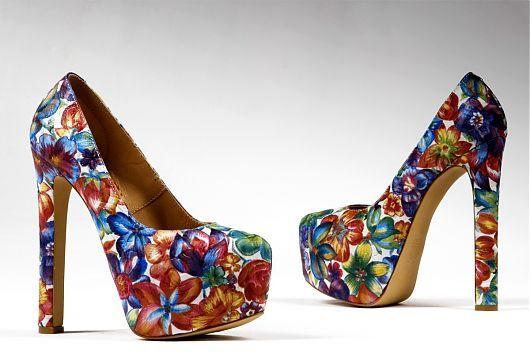 Предлагаем отличный выбор купить туфли каблук 15 см: доступные цены, потрясающие оттенки, роскошный дизайн
