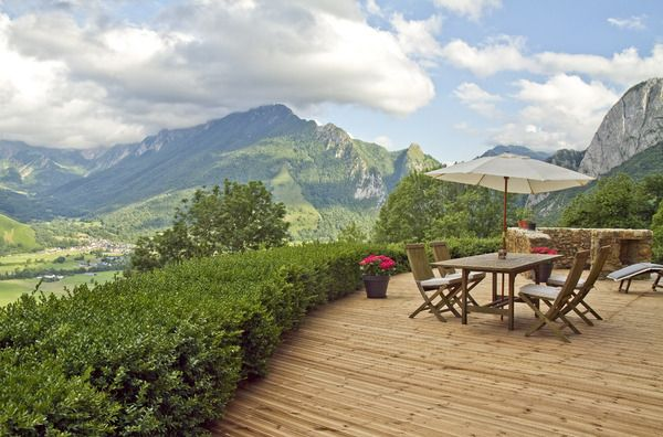 Romantic Pyrenees  Bergerie, Pool, :  Already Booked Summer 2014