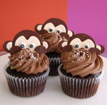 These monkeys playing peek-a-boo. | Community Post: 30 Animal Cupcakes Too Cute To Eat