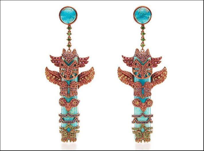 Orecchini Totem Pole, in oro 18 carati con zaffiri fancy, turchese, rubini, tsavoriti, ametiste