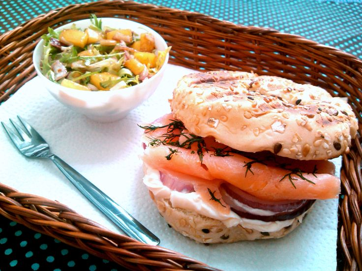 Sanduíche de salmão defumado e cream cheese (Lachs-Sandwich mit Frischkäse)