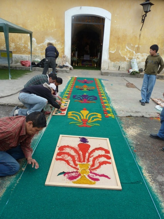 17 best images about alfombras corpus on pinterest antigua guatemala carpets and camino de - Alfombras portugal ...