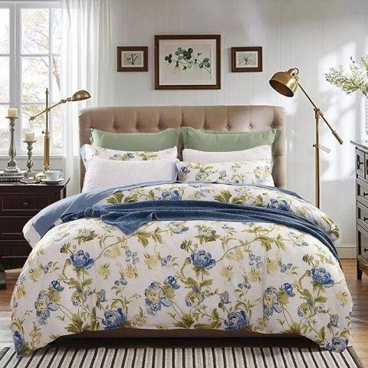 Biele posteľné obliečky so vzorom ruží