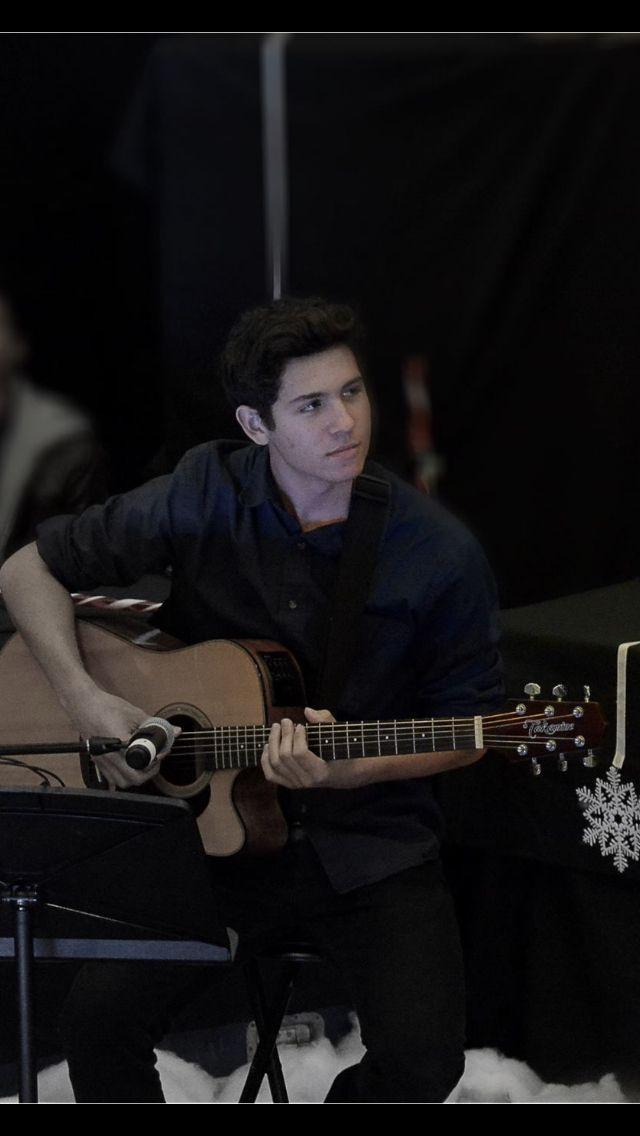 I play guitar.