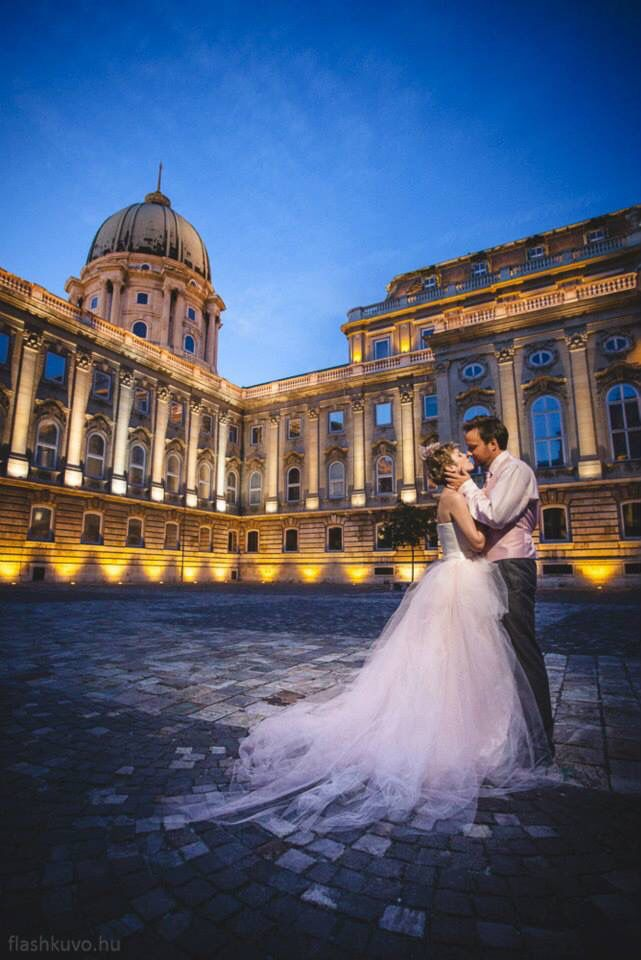 Classical Budapest wedding of the 2people1life wedding tourists More photos: http://www.hungarianweddings.com/Photos/Pages/Lisa_%26_Alex__Budapest_Classic_Wedding.html