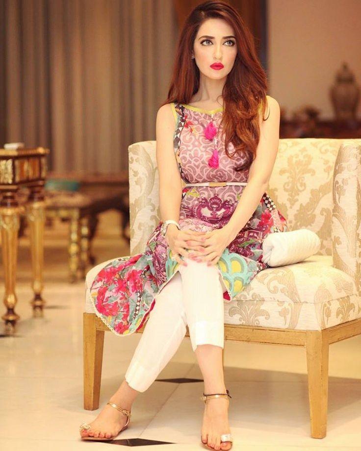 Fashion tips for girls pakistani dresses