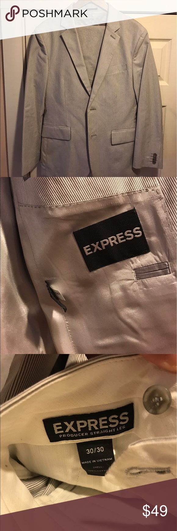 Express Seersucker 38s suit Seersucker express 38s Producer suit with 30x30 pants. Worn once to a wedding. No alterations. Dry cleaned Express Suits & Blazers Suits