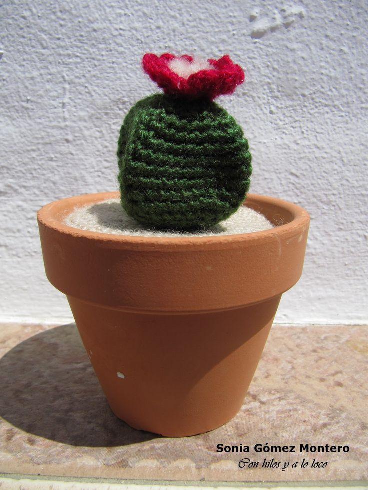 Cactus Amigurumi en forma de Estrella - Patrón Gratis en Español aquí : http://ainoslabores.blogspot.de/2013/05/cactus.html