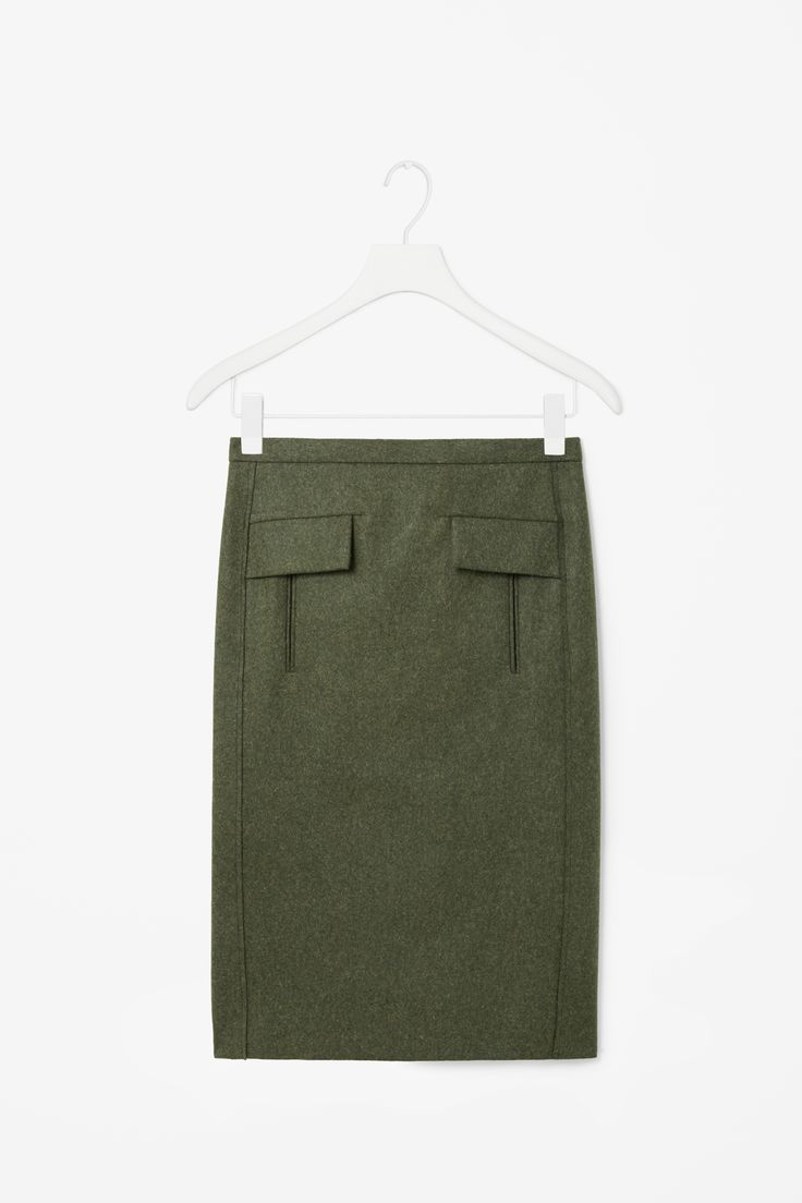 Flap pocket wool skirt