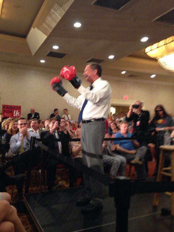 Ksich puts on boxing gloves in NY-LOL! http://www.cnn.com/2016/04/19/politics/new-york-primary-live-updates/index.html?bitly