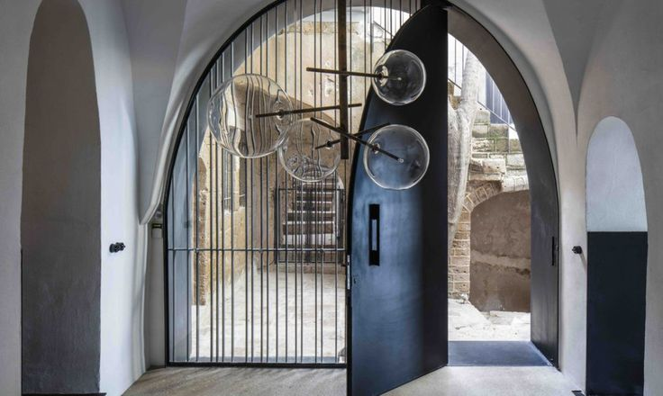 The rooms of the apartment, located in Tel Aviv-Yafo¬– an ancient port city in Israel– have been altered over hundreds of years.