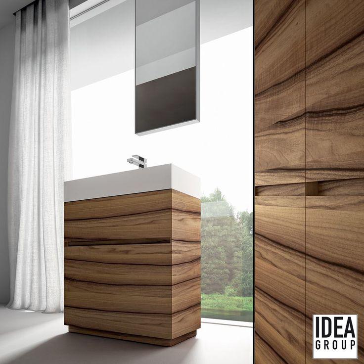 The uninterrupted wood grain enhances the concept of artisanal production and customisation. Wood -> Italian walnut wood (Noce Italiano)