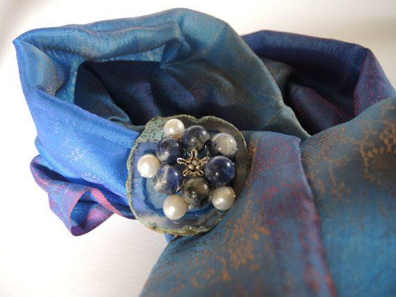 blauw kralen half edelsteen speld broche shawlsieraad, gemaakt van agaat geode, sodaliet, parels en Thais zilver