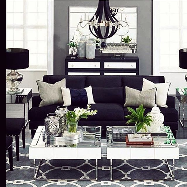 Black , white and grey in a nice combo inspiration #karismainterior #inspiration #interior #interiordesigner #livingroom