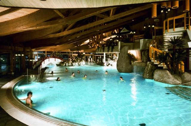 Taunus Therme, Bad Homburg, Germany. Why I like it: many and spacious sauna cabins, beautiful pool, large roof terrace. What I don't like: cramped locker room area, this is an older facility compared to the other ones I pinned here, and it shows.