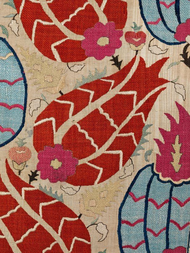 Wrapping cloth - detail, Ottoman, late 17th century, 122 x 112 cm, SHM 9582 - İ.571 / Courtesy of Sadberk Hanım Museum