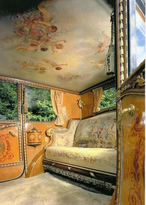 archilista:  Rolls Royce Phantom 1 de 1926 - intérieur Louis XVI .viaEsprit XVIIIème