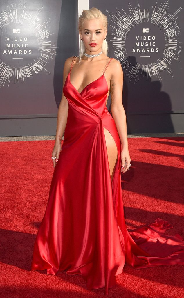 Woah! Rita Ora wins the award for highest slit on the red carpet.