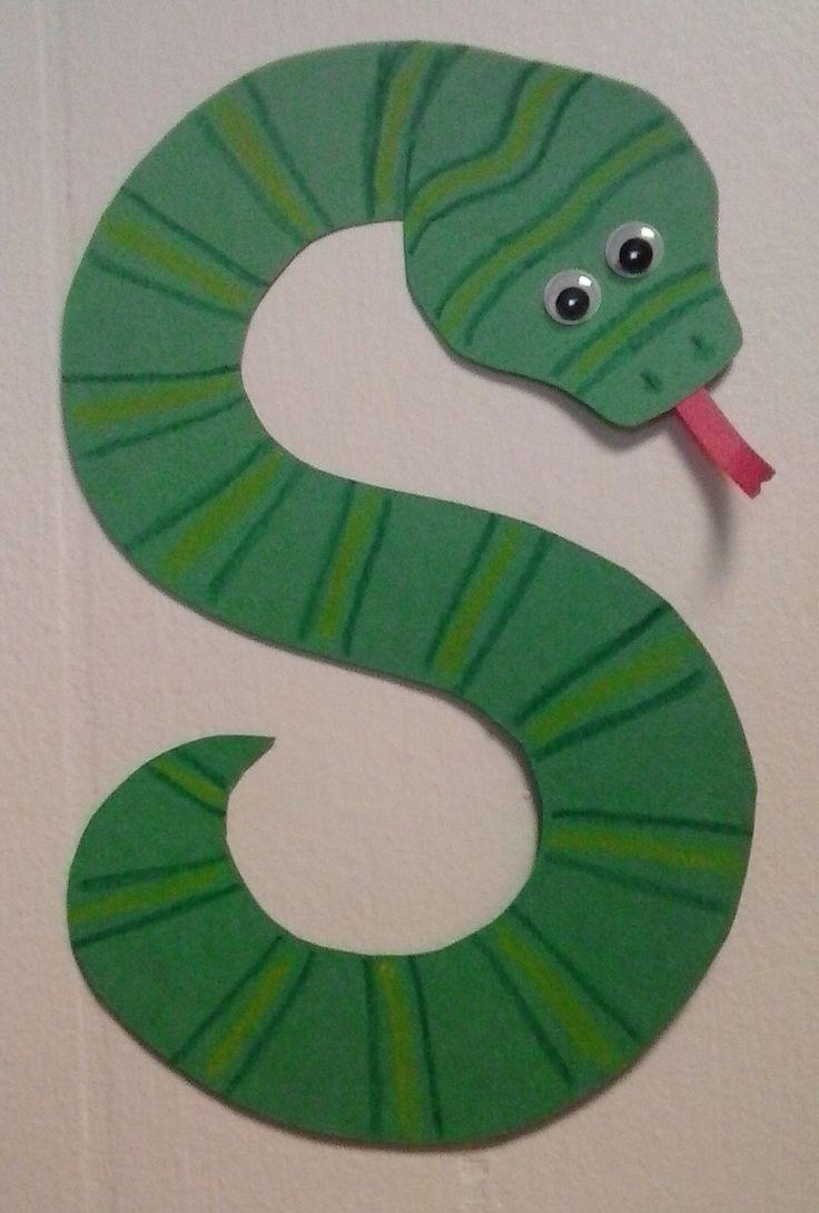 preschool letter s s is for snake alphabet buchstabe s vorschulkinder vorschule. Black Bedroom Furniture Sets. Home Design Ideas