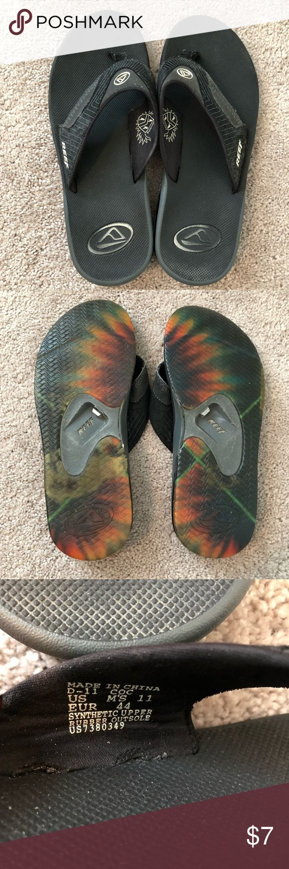 REEF Men's Flipflops Size 11 Black Used condition but lots of life left Bottle cap opener on the bottom!  Tags: reef, toms, rainbows, billabong, quicksilver Reef Shoes Sandals & Flip-Flops