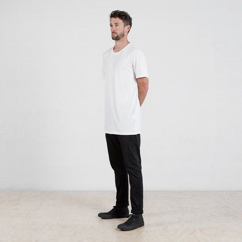 Cotton Tall t-shirt in White #dorsu #autumncollection #newcollection #menswear #fashion #basics #fashionessentials #cotton #ethicalfashion #tee #ethical #fair #wellmade #quality #comfort #black #minimal #modern #longsleeve #tshirt #winter17 #winter #aperfectday #perfectday #t-shirt #tshirt #simple #cotton #tall #talltshirt #longtshirt #longtee #monochrome