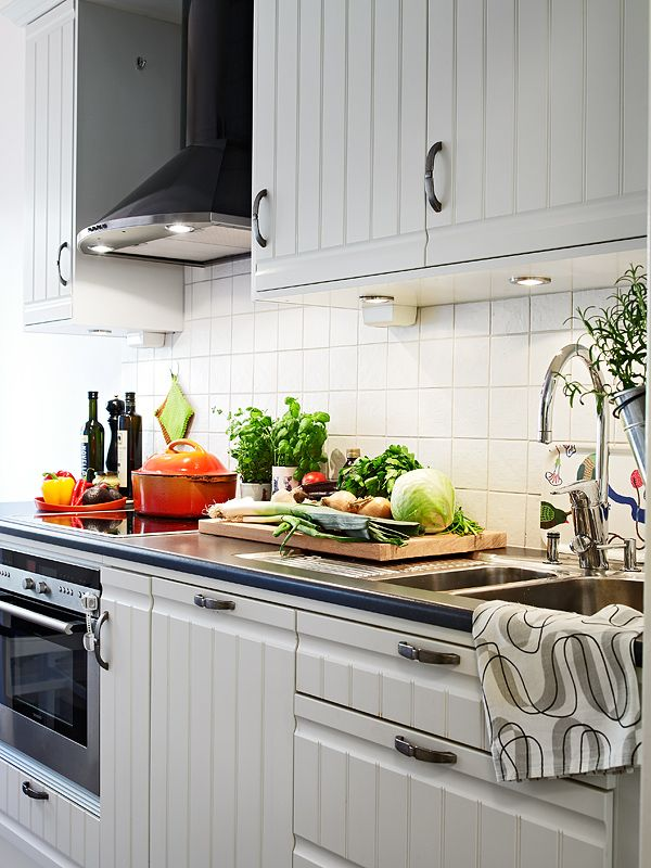 19 best images about beadboard on pinterest contemporary for Beadboard wallpaper on kitchen cabinets