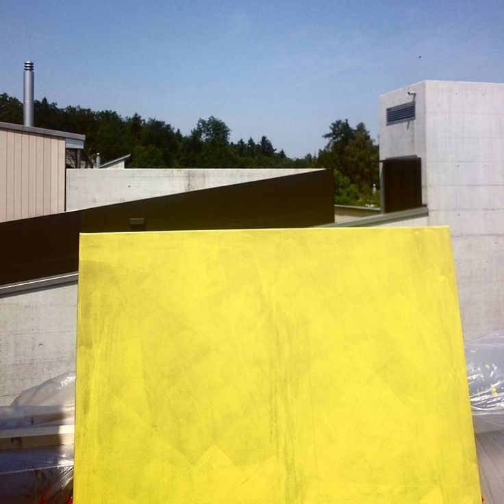 Preparations for the next #photoshoot! #fashionphotography #setdesign #creativestudio #creativedirection #canvas #yellow #sunny #colour #modernarchitecture #zurich