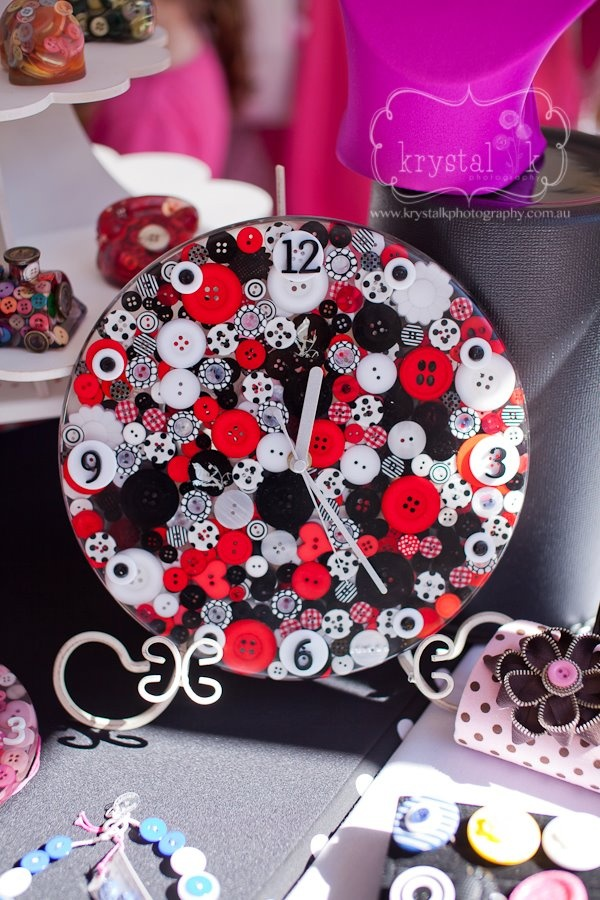27cm Red Black and White Button Clock    Photography by   http://www.facebook.com/krystalkphoto