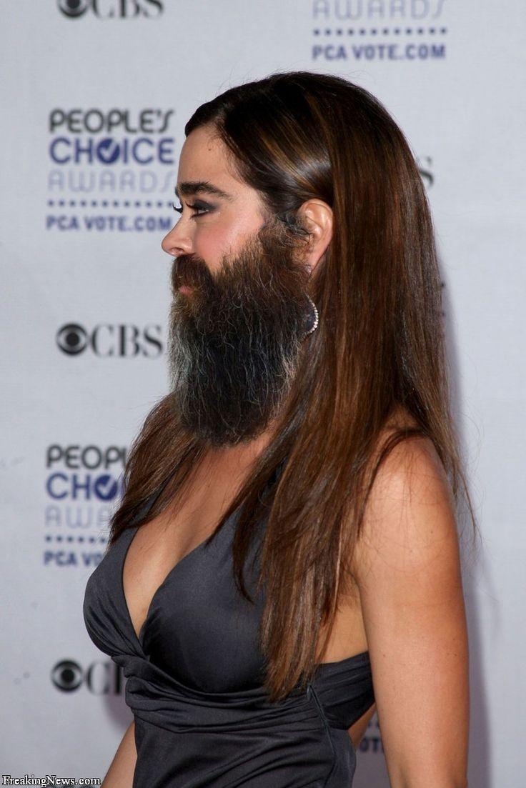 mulher barbada dos nossos dias